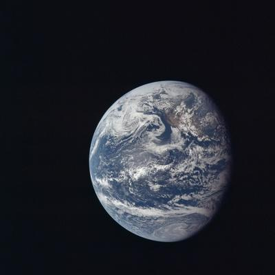 https://imgc.allpostersimages.com/img/posters/apollo-11-earth-view-from-space-july-17-1969_u-L-PII5OX0.jpg?artPerspective=n
