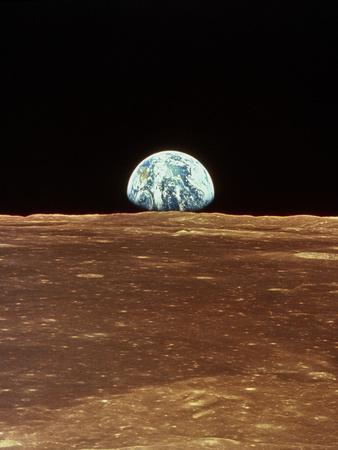 https://imgc.allpostersimages.com/img/posters/apollo-11-view-of-earth-rising-over-moon-s-horizon_u-L-Q13IRBO0.jpg?artPerspective=n
