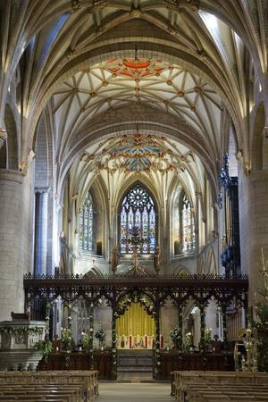 https://imgc.allpostersimages.com/img/posters/apse-of-tewkesbury-abbey-abbey-church-of-st-mary-the-virgin_u-L-PWFH0F0.jpg?p=0