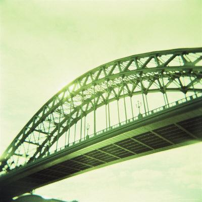 https://imgc.allpostersimages.com/img/posters/arched-bridge-over-river-tyne-newcastle-upon-tyne-tyne-and-wear-england-united-kingdom-europe_u-L-P2QT510.jpg?p=0