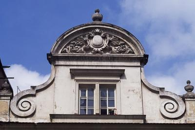 https://imgc.allpostersimages.com/img/posters/architectural-detail-from-a-building-in-krakow_u-L-PPQFIA0.jpg?p=0