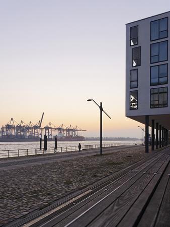 https://imgc.allpostersimages.com/img/posters/architecture-office-buildings-neum-hlen-evening-mood-hanseatic-city-of-hamburg-germany_u-L-Q11YQDI0.jpg?p=0