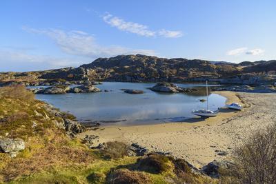 https://imgc.allpostersimages.com/img/posters/ardtoe-beach-ardnamurchan-peninsula-lochaber-highlands-scotland-united-kingdom_u-L-PWFBKW0.jpg?p=0
