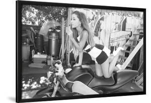 Ariana Grande Cycle