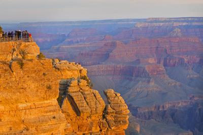 https://imgc.allpostersimages.com/img/posters/arizona-grand-canyon-national-park-south-rim-mather-point-sunrise_u-L-Q1D0EFK0.jpg?p=0