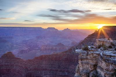 https://imgc.allpostersimages.com/img/posters/arizona-grand-canyon-national-park-south-rim-mather-point-sunrise_u-L-Q1D0FH10.jpg?p=0