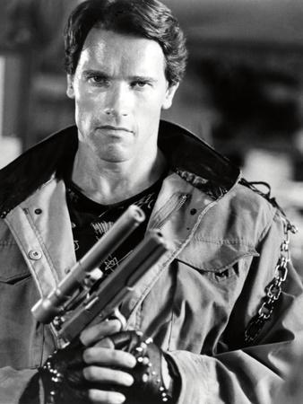 https://imgc.allpostersimages.com/img/posters/arnold-schwarzenegger-the-terminator-1984-directed-by-james-cameron_u-L-Q1E4OO30.jpg?artPerspective=n