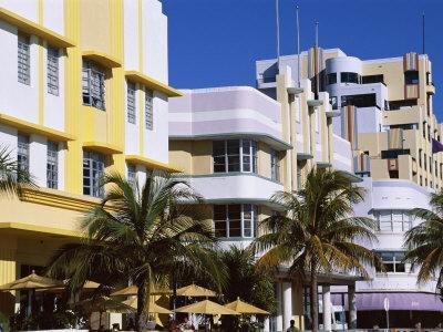 https://imgc.allpostersimages.com/img/posters/art-deco-district-ocean-drive-miami-beach-florida-united-states-of-america-usa-north-america_u-L-P1JZP50.jpg?p=0