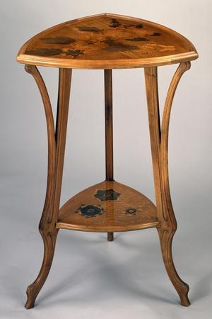 https://imgc.allpostersimages.com/img/posters/art-nouveau-style-gueridon-three-legged-table_u-L-PPSM9G0.jpg?artPerspective=n
