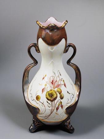 https://imgc.allpostersimages.com/img/posters/art-nouveau-vase-1905-societa-ceramica-italiana-manufacture-laveno-italy_u-L-POPUUA0.jpg?p=0
