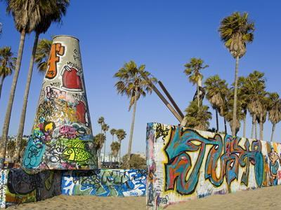 https://imgc.allpostersimages.com/img/posters/art-walls-legal-graffiti-on-venice-beach-los-angeles-california-usa_u-L-PFNG260.jpg?p=0