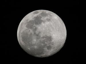 Full Moon in Black and White by Arthur Morris