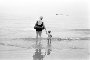 Eastbourne Beach, 1968 by Arthur Steel