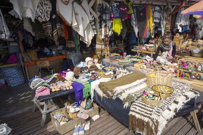 https://imgc.allpostersimages.com/img/posters/artisania-market-delcahue-island-of-chiloe-chile-south-america_u-L-PWFG1J0.jpg?p=0