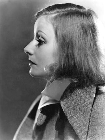 https://imgc.allpostersimages.com/img/posters/as-you-desire-me-by-george-fitzmaurice-based-on-a-play-by-luigi-pirandello-with-greta-garbo-1932_u-L-Q1C38HP0.jpg?artPerspective=n