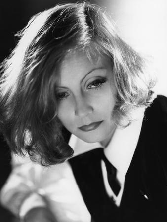 https://imgc.allpostersimages.com/img/posters/as-you-desire-me-by-george-fitzmaurice-based-on-a-play-by-luigi-pirandello-with-greta-garbo-1932_u-L-Q1C3AOS0.jpg?artPerspective=n