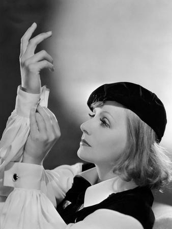 https://imgc.allpostersimages.com/img/posters/as-you-desire-me-by-george-fitzmaurice-based-on-a-play-by-luigi-pirandello-with-greta-garbo-1932_u-L-Q1C3AVN0.jpg?artPerspective=n