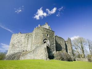 Dunstaffnage Castle Near Oban, Scotland by Ashley Cooper