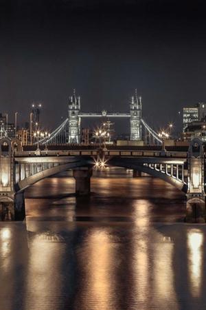 London Glow II by Assaf Frank