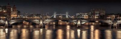 London Glow by Assaf Frank