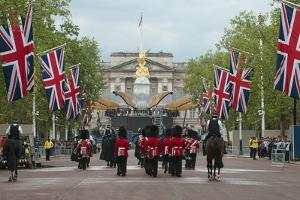 Changing the Guard at Buckingham Palace by Associated Newspapers