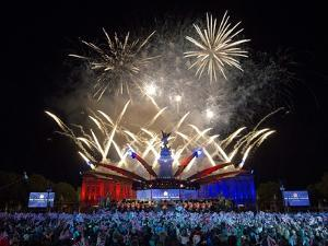 Fireworks over Buckingham Palace for the Queen's Diamond Jubilee by Associated Newspapers