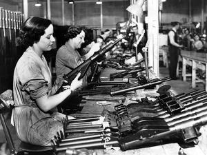 Manufacture of Sten Guns by Associated Newspapers