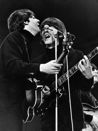 Paul Mccartney and George Harrison on Stage