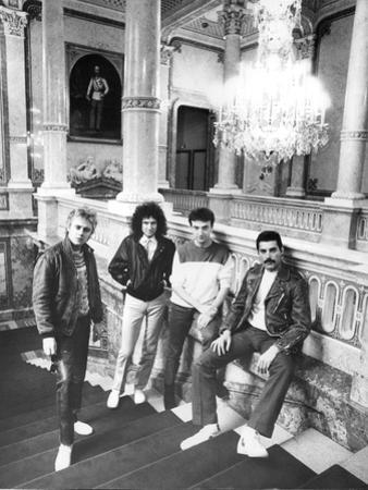 Queen in Vienna by Associated Newspapers
