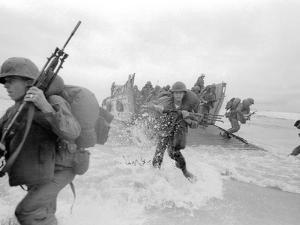 Vietnam War US Da Nang Landing by Associated Press