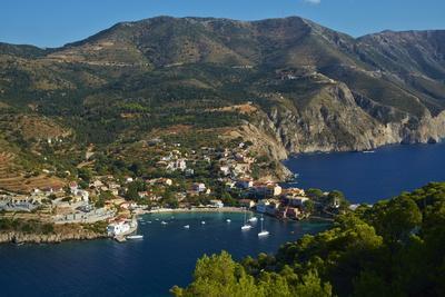 https://imgc.allpostersimages.com/img/posters/assos-village-cephalonia-ionian-islands-greek-islands-greece-europe_u-L-PQ8PNZ0.jpg?p=0