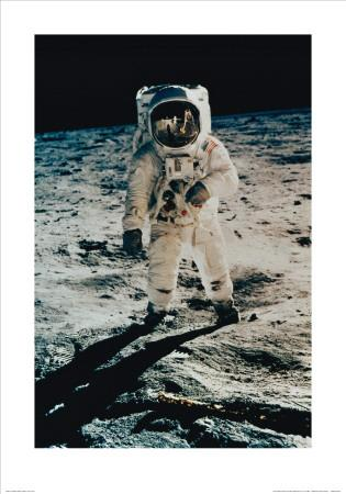 https://imgc.allpostersimages.com/img/posters/astronaut-edwin-aldrin-on-the-moon-apollo-11-july-c-1969_u-L-F101LX0.jpg?artPerspective=n