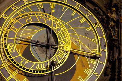 https://imgc.allpostersimages.com/img/posters/astronomical-clock-on-the-town-hall-old-town-square-prague-czech-republic_u-L-PWFGIF0.jpg?p=0