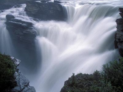 https://imgc.allpostersimages.com/img/posters/athabasca-falls-in-jasper-national-park-canada_u-L-P246IO0.jpg?p=0