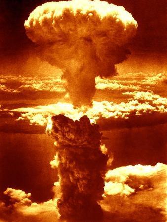 https://imgc.allpostersimages.com/img/posters/atomic-burst-over-nagasaki-1945_u-L-Q13IRC30.jpg?p=0