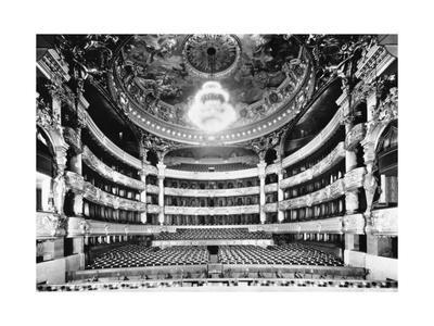 https://imgc.allpostersimages.com/img/posters/auditorium-of-paris-opera_u-L-PRGIE40.jpg?p=0