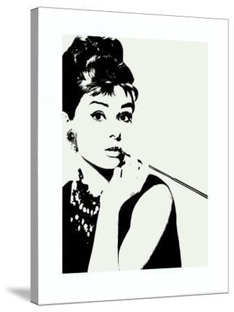 Audrey Hepburn: Cigarillo