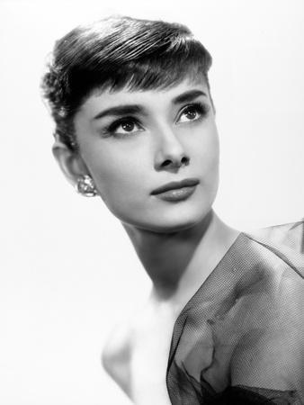 https://imgc.allpostersimages.com/img/posters/audrey-hepburn-sabrina-fair-1954-sabrina-directed-by-billy-wilder_u-L-Q10T84V0.jpg?artPerspective=n