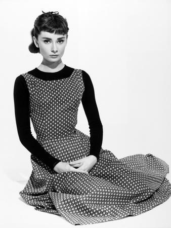 https://imgc.allpostersimages.com/img/posters/audrey-hepburn-sabrina-fair-1954-sabrina-directed-by-billy-wilder_u-L-Q10TD8C0.jpg?artPerspective=n