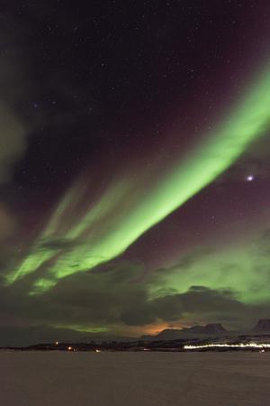 https://imgc.allpostersimages.com/img/posters/aurora-borealis-northern-lights-abisko-lapland-arctic-circle-sweden-scandinavia-europe_u-L-PWFM2C0.jpg?p=0
