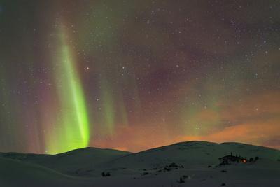 https://imgc.allpostersimages.com/img/posters/aurora-borealis-northern-lights-on-kungsleden-kings-trail_u-L-PWFLDK0.jpg?p=0