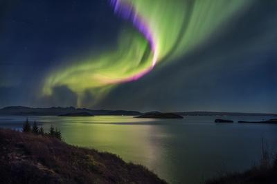 https://imgc.allpostersimages.com/img/posters/aurora-borealis-or-northern-lights-iceland_u-L-PZSA2X0.jpg?p=0