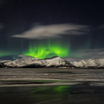 https://imgc.allpostersimages.com/img/posters/aurora-borealis-over-mt-hoffell-hoffellsjokul-glacier-iceland_u-L-PZS4OO0.jpg?p=0