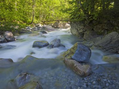 https://imgc.allpostersimages.com/img/posters/austria-carinthia-mauthner-klamm-ravine-valentinbach-brook-stones-bridge_u-L-Q11YRT90.jpg?p=0