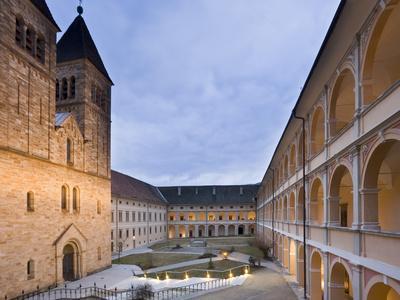 https://imgc.allpostersimages.com/img/posters/austria-styria-seckau-benedictines-stift-abbey-inner-courtyard_u-L-Q11YT540.jpg?p=0