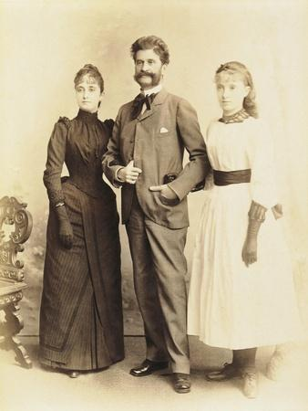 https://imgc.allpostersimages.com/img/posters/austria-vienna-johann-strauss-with-wife-adele-and-daughter-alice_u-L-POPU3Y0.jpg?p=0