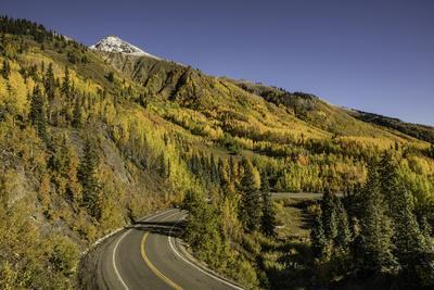 https://imgc.allpostersimages.com/img/posters/autumn-aspen-trees-and-million-dollar-highway-crystal-lake-ouray-colorado_u-L-Q1D0SCZ0.jpg?p=0