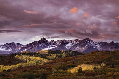 https://imgc.allpostersimages.com/img/posters/autumn-aspen-trees-and-sneffels-range-at-sunset-mount-sneffels-wilderness-colorado_u-L-Q1D0STI0.jpg?p=0