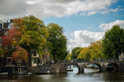 https://imgc.allpostersimages.com/img/posters/autumn-in-amsterdam_u-L-Q11US8B0.jpg?p=0