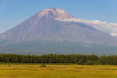 https://imgc.allpostersimages.com/img/posters/avachinskaya-sopka-volcano-near-petropavlovsk-kamchatsky-kamchatka-russia-eurasia_u-L-PQ8SJN0.jpg?p=0